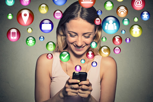 Top 10 Signs You are Social Media Obsessed